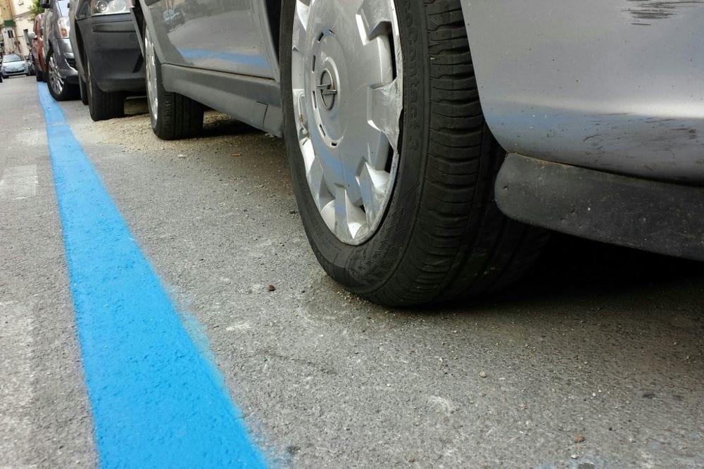 Dipingere Strisce Parcheggio : Strisce blu per contrastare i parcheggiatori abusivi a trapani