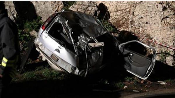 Incidente stradale nel palermitano: morti 3 giovani