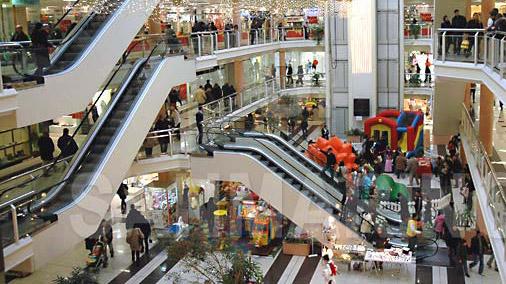 Negozi, centri commerciali e supermercati aperti anche la domenica in Sicilia. Protestano i lavoratori
