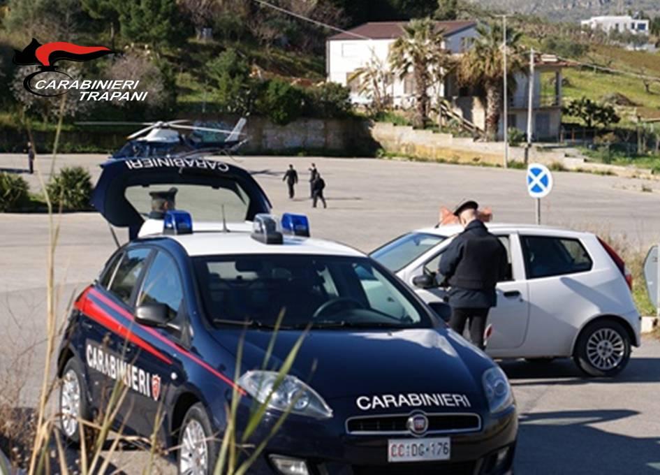 Cibi avariati ad Alcamo, multe e sequestri dei carabinieri