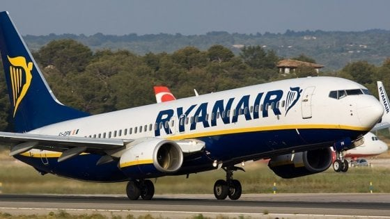 Ryanair taglia 400 voli