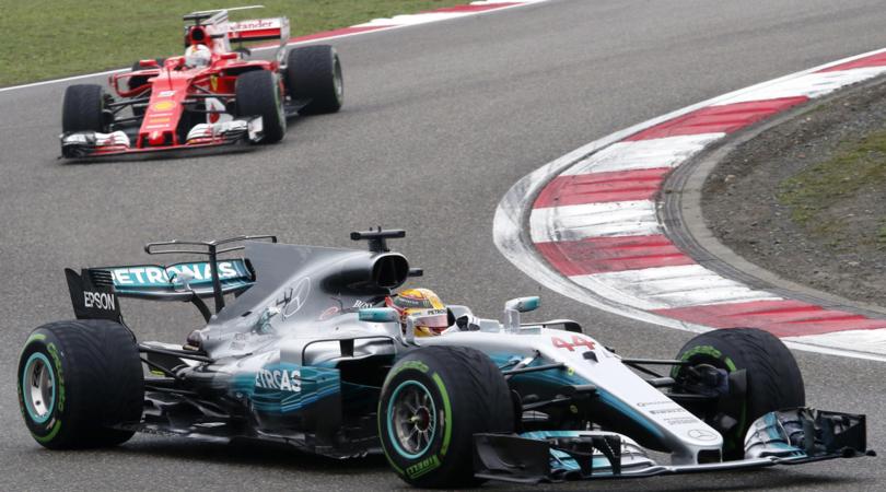 F1, GP Cina LIVE: Pole di Hamilton, Vettel 2°
