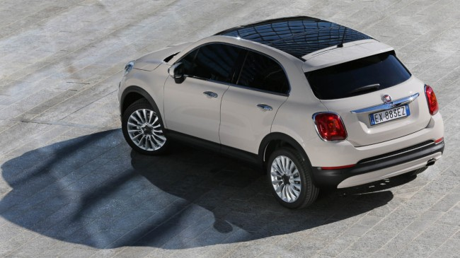 anteprima italiana della nuova fiat 500x la crossover. Black Bedroom Furniture Sets. Home Design Ideas