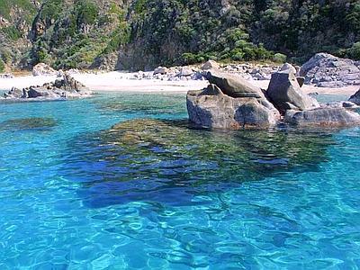 Pantelleria, la Guardia Costiera bonifica Cala Tramontana, Cala Levante e Nadir