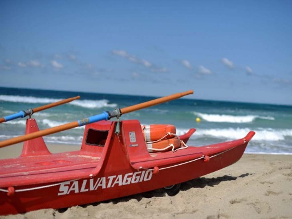 Accesso a spiaggia libera su prenotazione: le soluzioni per evitare i contagi