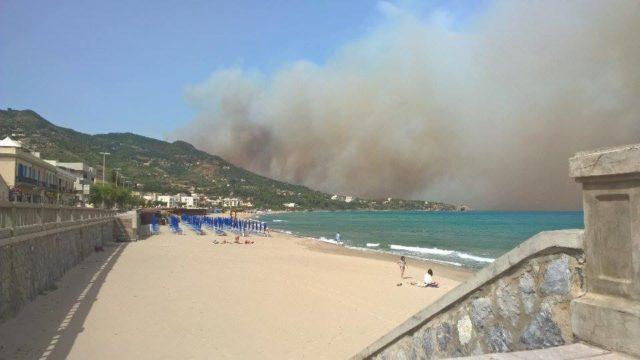 La Sicilia brucia, 50 bambini intossicati in un asilo di Monreale