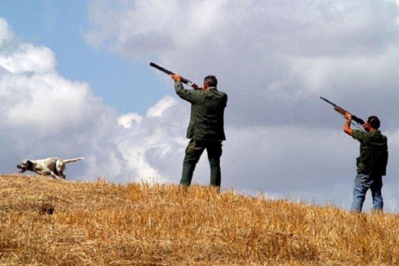 Incidente durante una battuta di caccia: spara e uccide il compagno