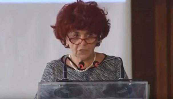 Nuove gaffe linguistiche per la ministra dell'Istruzione Valeria Fedeli
