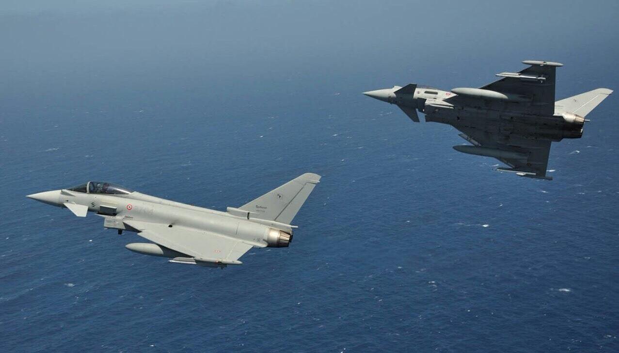 Aereo Da Caccia F15 : Scramble in volo per due caccia di trapani intercettato