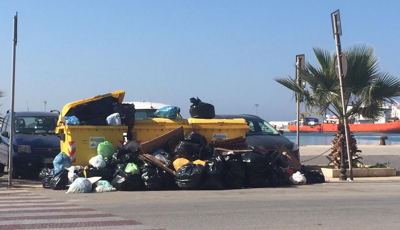 Raccolta rifiuti: regolare in occasione del 25 aprile e del 1 maggio