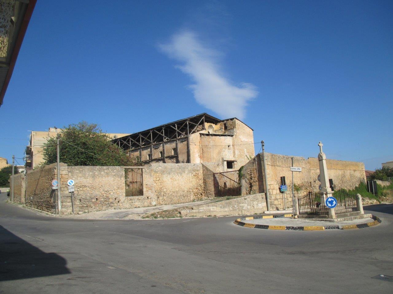 La storia della prima chiesa madre di alcamo for Foto della piccola casa