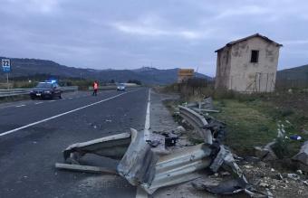 Sicilia,perde il controllo della moto e muore