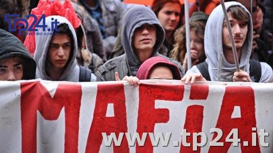 Mafia: sondaggio, per 47% giovani e' piu' forte dello Stato