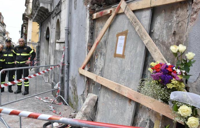 Esplosione Catania: un minuto di silenzio per la commemorazione dei pompieri morti