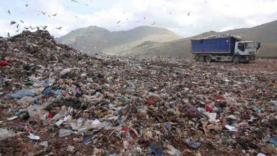 Sicilia, rientra emergenza rifiuti: non andranno a Torino$