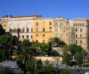 https://www.tp24.it/immagini_articoli/01-03-2015/1425195832-0-i-costi-della-politica-in-sicilia-sono-tra-i-piu-alti-d-europa-lo-dice-la-corte-dei-conti.jpg