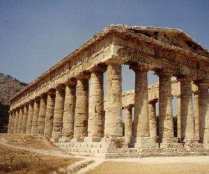 https://www.tp24.it/immagini_articoli/01-04-2021/1617262577-0-sicilia-a-rischio-400-posti-di-lavoro-nei-musei-e-parchi-archeologici.jpg