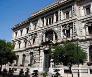 https://www.tp24.it/immagini_articoli/01-07-2017/1498908638-0-leconomia-sicilia-vista-banca-ditalia-meno-sportelli-aumenta-lhome-banking.jpg