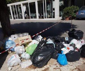 https://www.tp24.it/immagini_articoli/01-07-2018/1530445698-0-rifiuti-sicilia-prova-task-force-esperti-esterni-marsala-sporca.jpg