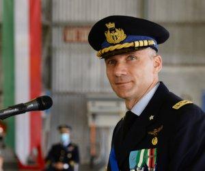 https://www.tp24.it/immagini_articoli/01-07-2020/1593591679-0-trapani-il-colonnello-moris-ghiadoni-e-il-nuovo-comandante-del-37-deg-stormo-di-birgi.jpg