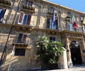https://www.tp24.it/immagini_articoli/01-08-2019/1564670665-0-sicilia-milioni-comuni-bandiera-bandiera-verde-borgo-borghi.jpg