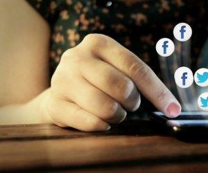 https://www.tp24.it/immagini_articoli/01-08-2020/1596275879-0-giovani-e-dipendenza-da-cellulare-dalla-sicilia-parte-progetto-smartphone-style.png