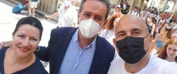 https://www.tp24.it/immagini_articoli/01-08-2021/1627796003-0-lacrime-di-coccogrillo-nbsp.jpg