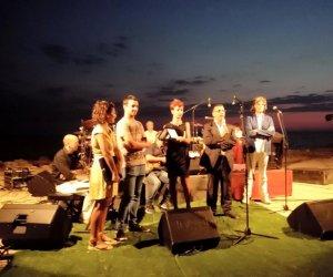 https://www.tp24.it/immagini_articoli/01-09-2015/1441113419-0-la-premiazione-del-concorso-arts-oasis-ha-chiuso-gli-eventi-di-petrosino-estate-2015.jpg
