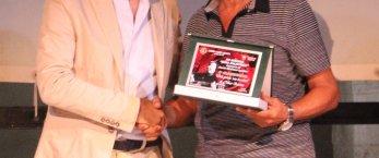 https://www.tp24.it/immagini_articoli/01-09-2019/1567371069-0-poeta-trapanese-nino-barone-premiato-memorial-rosa-balistreri.jpg