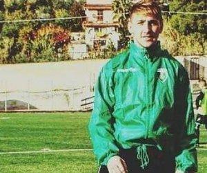 https://www.tp24.it/immagini_articoli/01-12-2019/1575226811-0-sicilia-cade-scooter-batte-testa-muore-anni-giovane-calciatore.jpg