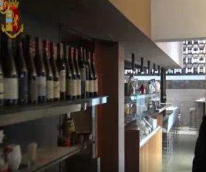 https://www.tp24.it/immagini_articoli/02-01-2020/1577965490-0-sicilia-cibo-avariato-messo-tavola-cinque-denunce-ristoranti-sequestrati.jpg