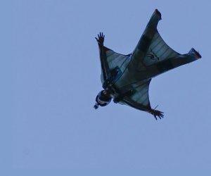 https://www.tp24.it/immagini_articoli/02-01-2020/1577982164-0-lancia-tuta-alare-paracadute-apre-muore-giovane-caltanissetta.jpg