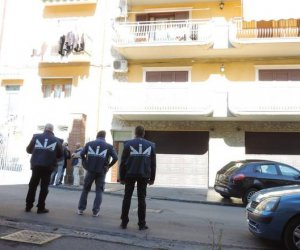 https://www.tp24.it/immagini_articoli/02-02-2015/1422888155-0-mafia-la-relazione-della-dia-metamorfosi-rigenerativa--e-ordini-dal-carcere.jpg