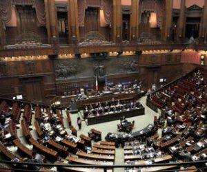 https://www.tp24.it/immagini_articoli/02-03-2017/1488466236-0-le-polemiche-sui-vitalizi-e-le-pensioni-dei-parlamentari.jpg