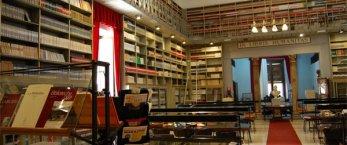 https://www.tp24.it/immagini_articoli/02-03-2019/1551542558-0-trapani-lavoratori-biblioteca-fardelliana-firmano-contratto-indeterminato.jpg
