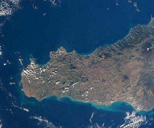 https://www.tp24.it/immagini_articoli/02-03-2021/1614707099-0-residenti-istruzione-lavoro-stranieri-come-cambia-la-sicilia-i-dati.jpg