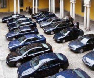 https://www.tp24.it/immagini_articoli/02-05-2014/1399066200-0-regione-crocetta-vuole-le-nuove-auto-blu-costano-quasi-due-milioni-di-euro.jpg