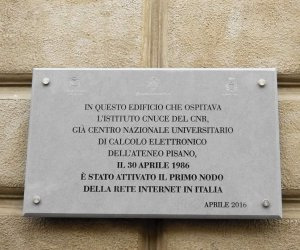 https://www.tp24.it/immagini_articoli/02-05-2021/1619934060-0-gli-studenti-di-marsala-hanno-incontrato-il-papa-di-internet.jpg