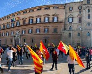 https://www.tp24.it/immagini_articoli/02-06-2020/1591124328-0-sicilia-manifestazione-in-piazza-contro-la-lega-nbsp.jpg