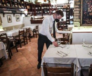 https://www.tp24.it/immagini_articoli/02-06-2021/1622613043-0-ricordate-al-ristorante-si-puo-essere-al-massimo-in-quattro.jpg