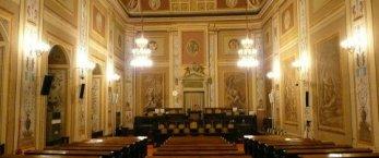 https://www.tp24.it/immagini_articoli/02-08-2019/1564734442-0-sicilia-deputati-regionali-vacanza-giorni-lasciando-tutto-meta.jpg