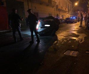 https://www.tp24.it/immagini_articoli/02-08-2020/1596355638-0-marsala-brutto-incidente-fra-tre-auto-a-nbsp-strasatti-abbattuti-alcuni-pali-della-luce.jpg