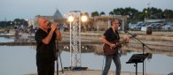 https://www.tp24.it/immagini_articoli/02-08-2021/1627882072-0-marsala-sul-palco-de-a-scurata-giovanni-gulino-e-fabio-genco.jpg