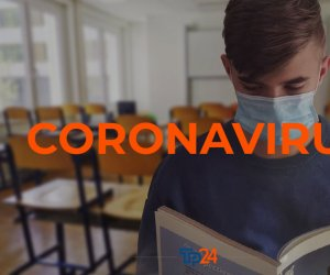 https://www.tp24.it/immagini_articoli/02-08-2021/1627923129-0-scuola-in-sicilia-rientro-con-distanziamento-e-mascherine-nbsp-nbsp.jpg