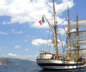 https://www.tp24.it/immagini_articoli/02-09-2019/1567444714-0-trapani-all8-settembre-potra-visitare-nave-palinuro-marina-militare.jpg