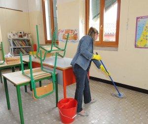 https://www.tp24.it/immagini_articoli/02-10-2019/1570051802-0-sicilia-rischiano-licenziamento-1200-addetti-pulizie-scuole.jpg