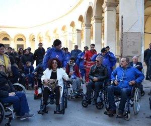 https://www.tp24.it/immagini_articoli/02-12-2019/1575306258-0-trapani-sindaco-tranchida-giro-carrozzina-polemiche-querele.jpg