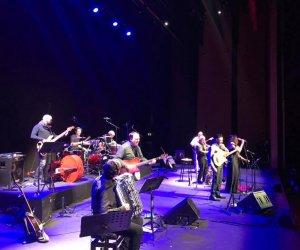 https://www.tp24.it/immagini_articoli/03-02-2020/1580748864-0-successo-musicanti-milagro-acustico-allauditorim-parco-musica-roma.jpg