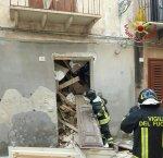 https://www.tp24.it/immagini_articoli/03-03-2018/1520075977-0-marsala-crolla-solaio-centro-intervengono-vigili-fuoco.jpg
