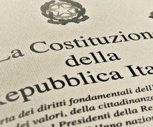 https://www.tp24.it/immagini_articoli/03-04-2021/1617408015-0-la-riforma-del-titolo-v-della-costituzione.jpg